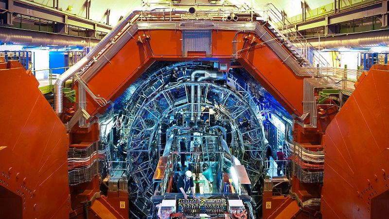 Προσομοίωση σωματιδιακής φυσικής με κβαντικούς υπολογιστές