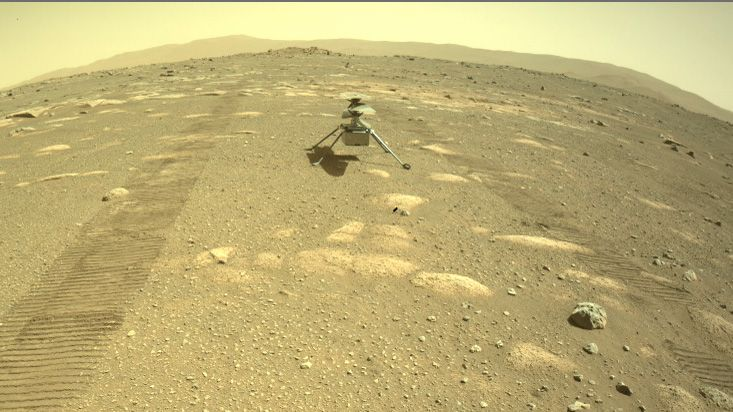 Το ελικόπτερο Ingenuity στην επιφάνεια του Άρη